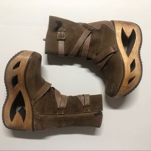 VTG Prego Wooden Cut Out Platform Boots